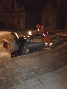 Residential snow removal -   DONE BY SNOW BLOWER = NO DAMAGE