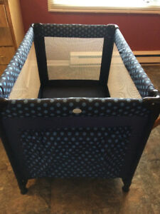 Playpen,Great Condition-Folds,Compact-Great Anywhere