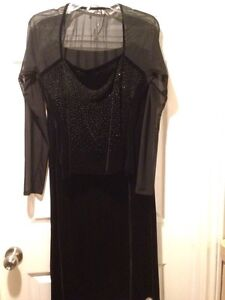 Black velvet 2 piece evening dress-new with tags London Ontario image 1