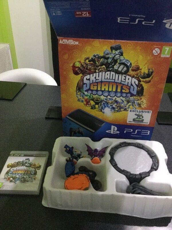 Skylanders Giants PS3 Game + Starter Kit Brand New Unused