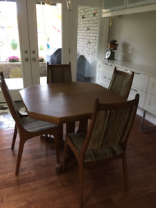"""Solid Oak Dining Set - expandable to 84"""""""