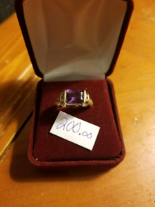 18k gold Purple amethyst ring.