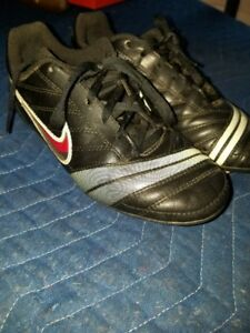 Girls Nike soccer shoes
