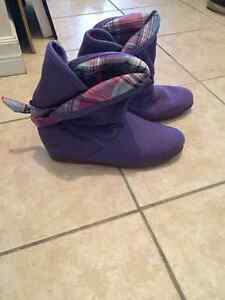 Women's DVS purple boots