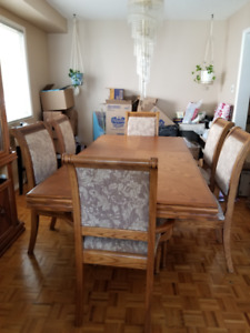 Solid Wood Dining Room Table, Chairs, Hutch and Buffet