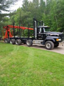 2004 Mack CL700 Log Truck and Trailer