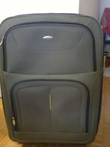 Samsonite 4 wheels luggage