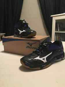Souliers Wave lightning Z2 Mizuno Shoes, Volley-Ball West Island Greater Montréal image 1
