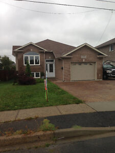 Single Family Bungalow detached (OPEN HOUSE Oct 2( 2pm-4pm)