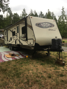 2012 surveyor 305 travel trailer