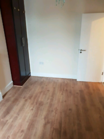 One Double room to rent in Stratford.