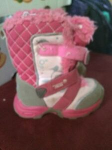 Size 7 winter boots toddler girl