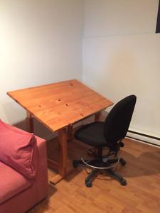 Table à dessin et chaise