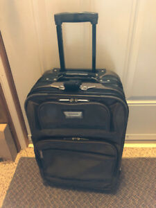 VOYAGEUR CARRY ON LUGGAGE