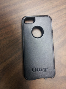 Almost NEW Original OtterBox Case for Apple iPhone  5s / 5
