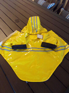 Brand New Lined  Foul  Weather / Rain  Coat  For Small Dog Kingston Kingston Area image 1