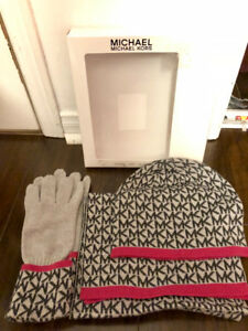 Michael Kors Scarf Hat and Gloves Box Set