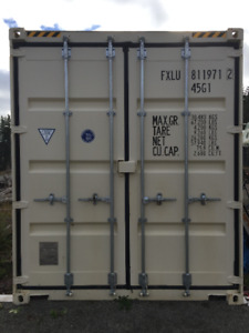 40 ft Container, like new!