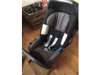 Britax Romer baby car seat with isofix base