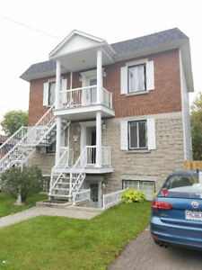 Beautiful 5 1/2 , Longueuil, A/C