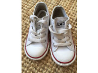 Converse leather child size 7