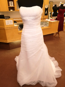 Joshua wedding gown