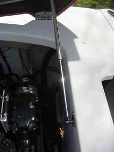 Gas shocks amortisseur bateau coffre moteur West Island Greater Montréal image 1