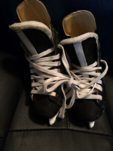 YOUTH BAUER CHARGER SKATES--SIZE 11 D