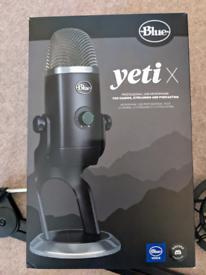 Blue Yeti X USB Microphone and boom arm