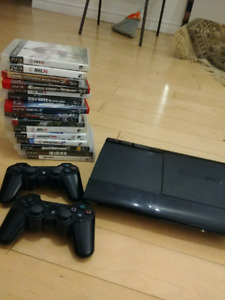 Ps3 superslim + 14 games + 2 controllers