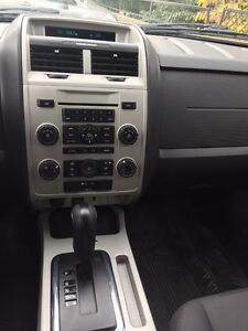 Certified low km 2011 Ford Escape in excellent shape! Kitchener / Waterloo Kitchener Area image 7