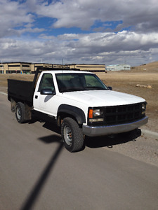 2000 Chev K2500 4x4 Perfect Work Truck - LOW KMS