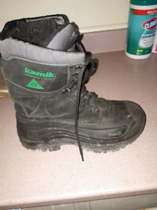 Winter insulated safety work boots