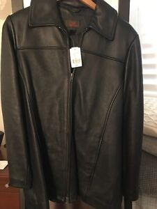 Brand NEW Leather Danier Womens Size Small