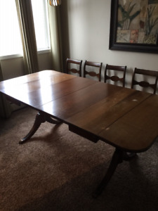 Antique Duncan Phyfe Dining Table with Four Chairs