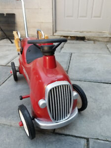 Radio Flyer Little Red Fire Truck Engine Number 9