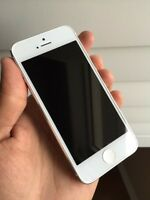 IPhone 5 16gb white silver work with Bell and virgin mobile