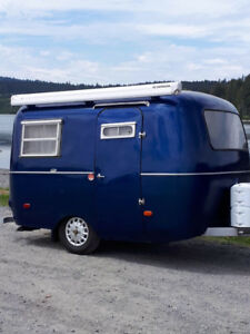 Vintage 13' travel trailers FOR RENT $85