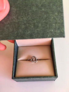 White gold heart-shaped diamond ring, size 6