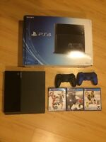 PLAYSTATION 4 + 2 Controllers + 3 Games