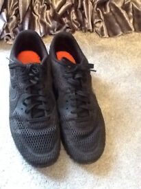 Nike fly knit trainers size 7 Imaculate
