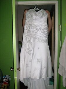 BEAUTIFUL BRIDAL DRESS , GOOD CONDITION ,