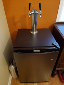 Kegerator Keg Fridge 4.4 cu.ft., Dual Tap Beer Tower