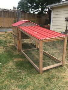 Solid chicken coop and run