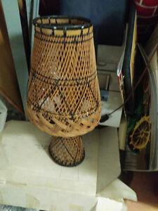 Vintage wicker table lamp London Ontario image 1