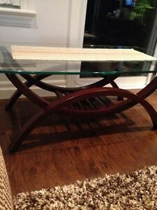 Glass/wood coffee table