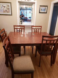 "Beautiful wood dining table W/6 chairs and leaf 42""Wx60""L"
