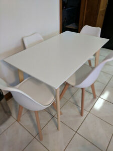 Dining Table and 4 Chairs, white