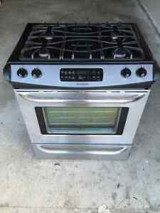 Frigidaire Gallery Slide in Gas Range