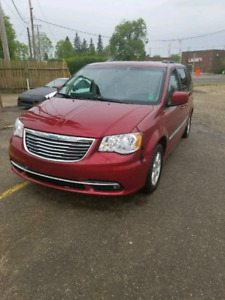 Chrysler Town and Country REDUCED
